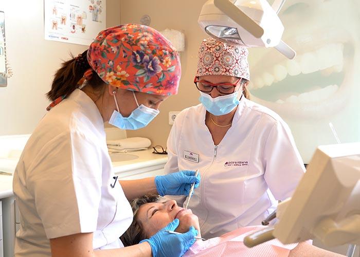 periodoncia dra minerva montcada