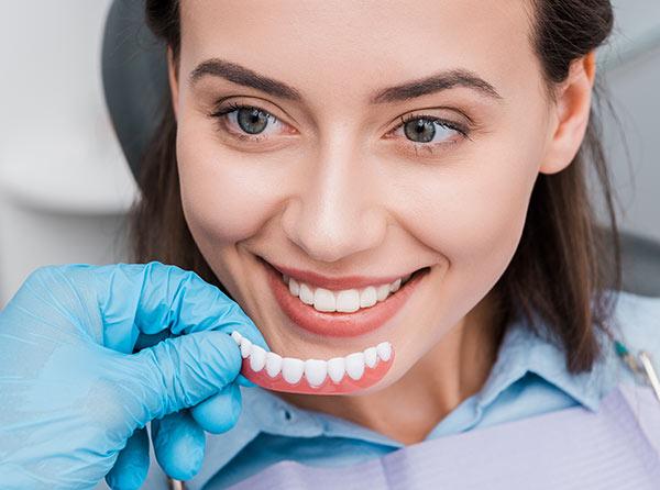 ¿Qué es una prótesis dental?